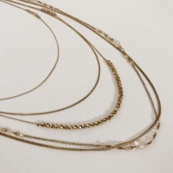 Forever 21 Jewelry - Gold and blush pink statement piece necklace